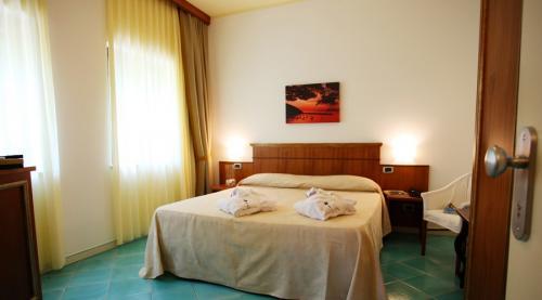 room6-900x500